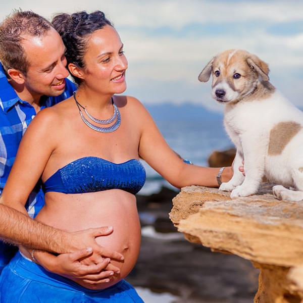 Fotografía Profesional de Embarazo - Patricia, James y su perrita Kira